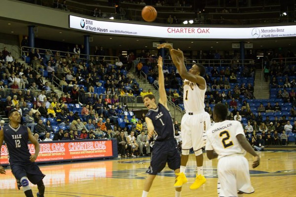 Quinnipiac men's basketball defeats Yale in double overtime thriller