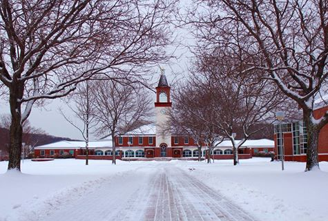 Quinnipiac digs out after first major snowfall of 2015