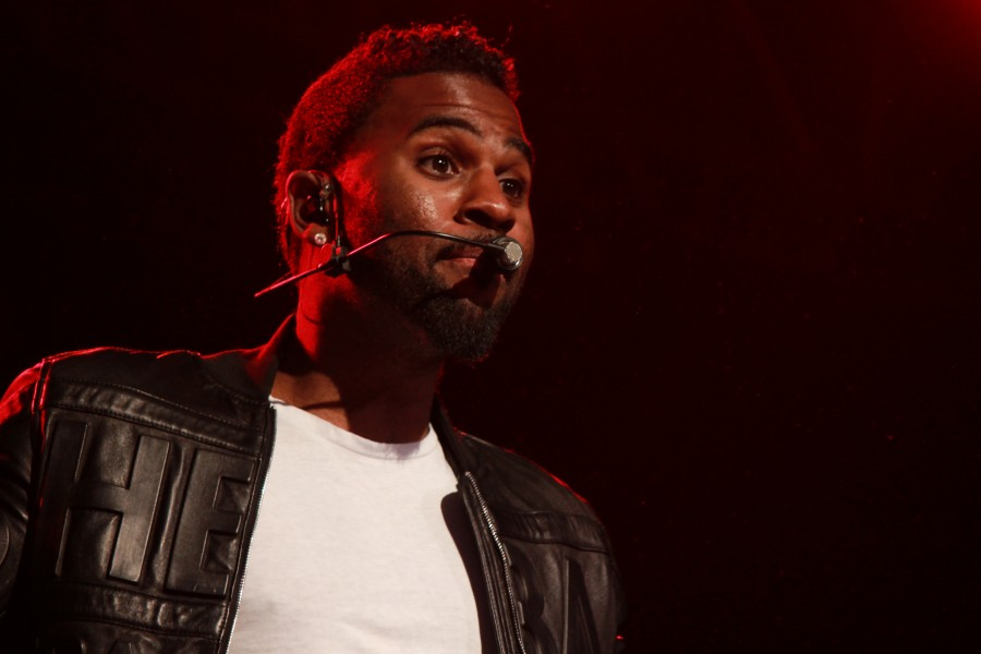 Students attend Jason Derulo concert