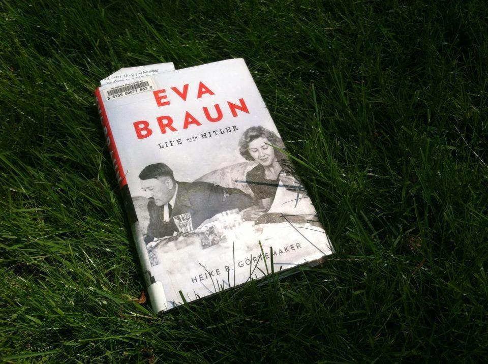 Summer Reads: Eva Braun by Heike Görtemaker