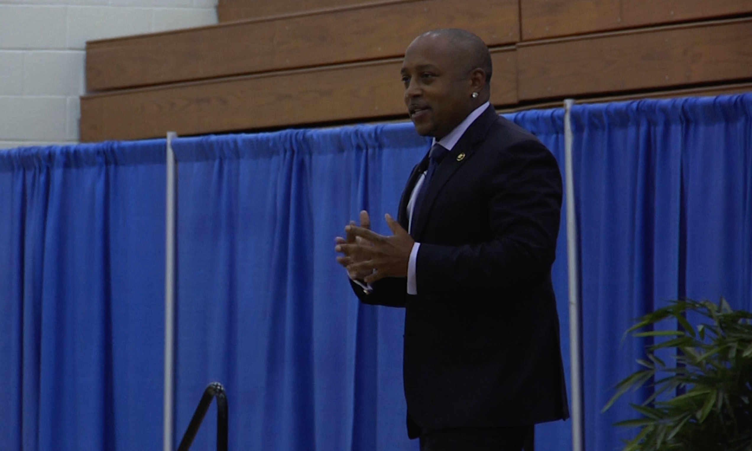 Shark Tank entrepreneur shares his business philosophy with Quinnipiac students