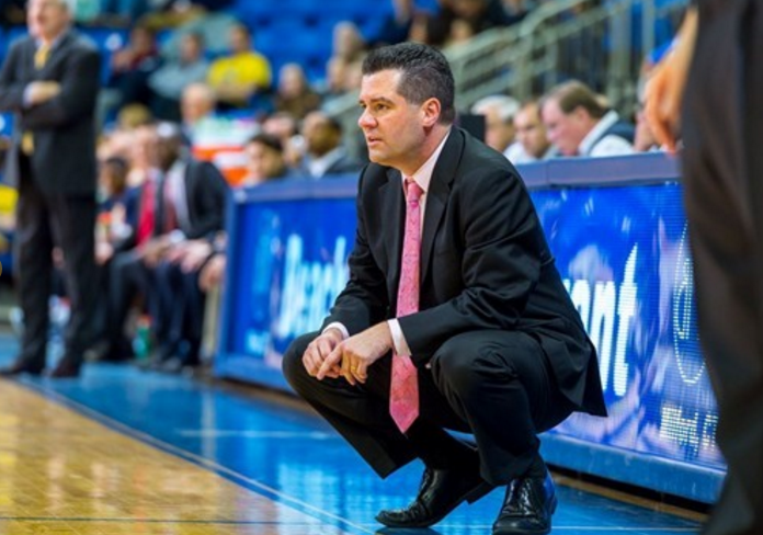 Despite Monmouth's national attention, Quinnipiac staying true to itself