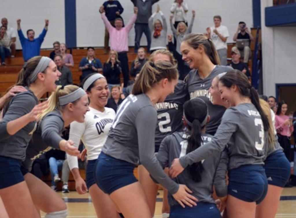 Quinnipiac volleyball back on winning track, defeats Rider 3-1