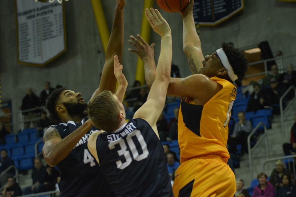 Quinnipiac's offense comes alive, erupts for 99 at home against Hartford