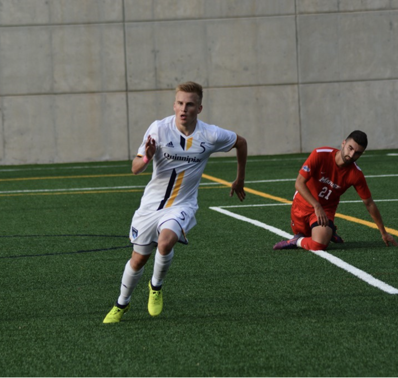 Simon Hillinger scores two goals, Quinnipiac defeats Marist 3-2