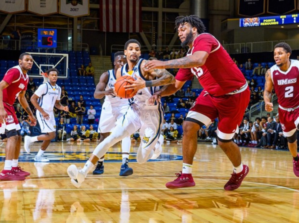 Quinnipiac stops five-game losing streak with complete performance against UMass