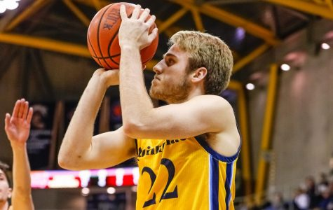 Quinnipiac men's basketball outlasts UNH 75-67 on Saturday
