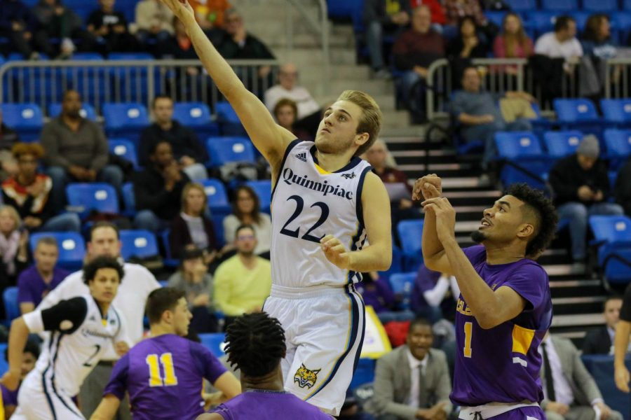 Kelly scores his 1,000th point as Quinnipiac tops Fairfield