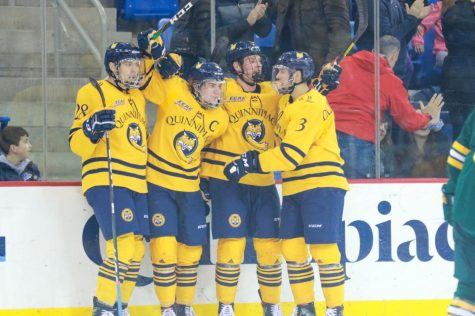 Quinnipiac men's ice hockey crushes St. Lawrence 6-1