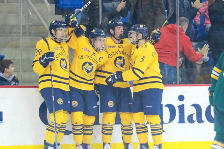 Quinnipiac men's ice hockey crushes St. Lawrence 6-1