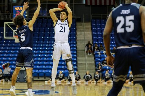 Quinnipiac's Davis joins Marfo in NCAA transfer portal