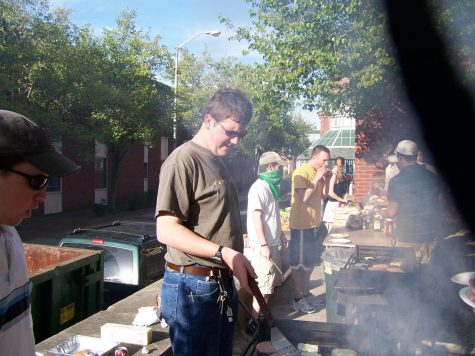 2006 - Q30 spring BBQ in complex courtyard