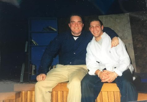 Q30 News Anchors Eric Jackson and Marlon LeWinter on the set (Spring 2003)