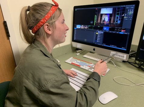 2019-20 - Kassidy Berger '21 utilizing livestream studio software
