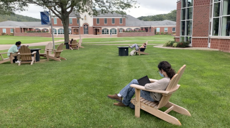 Fire side stories: Quinnipiac students enjoy new fire pits on campus