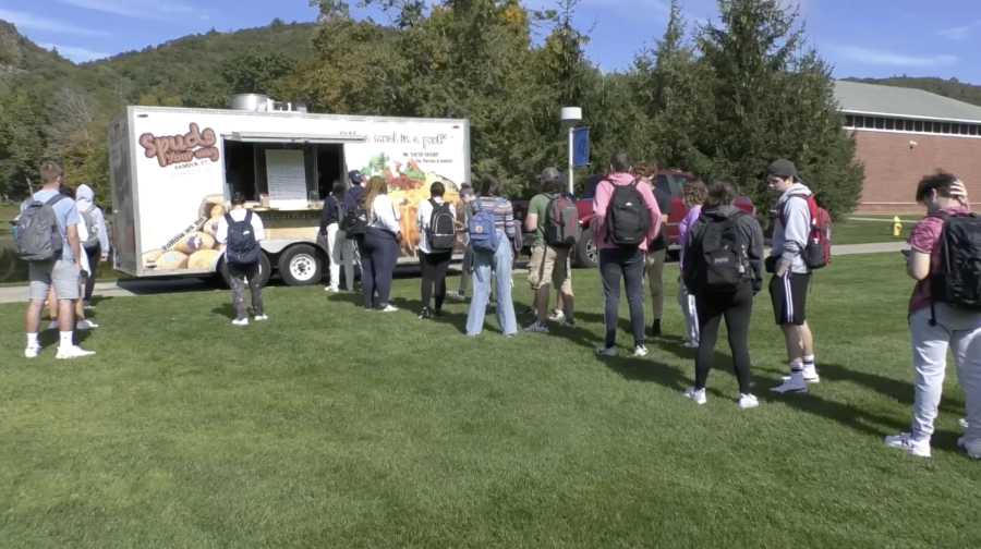 Fewer+food+trucks+are+coming+to+Quinnipiac+this+semester